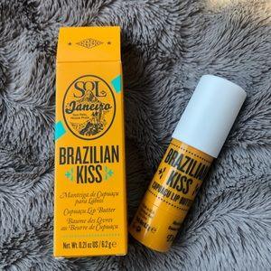 Brazilian Kiss